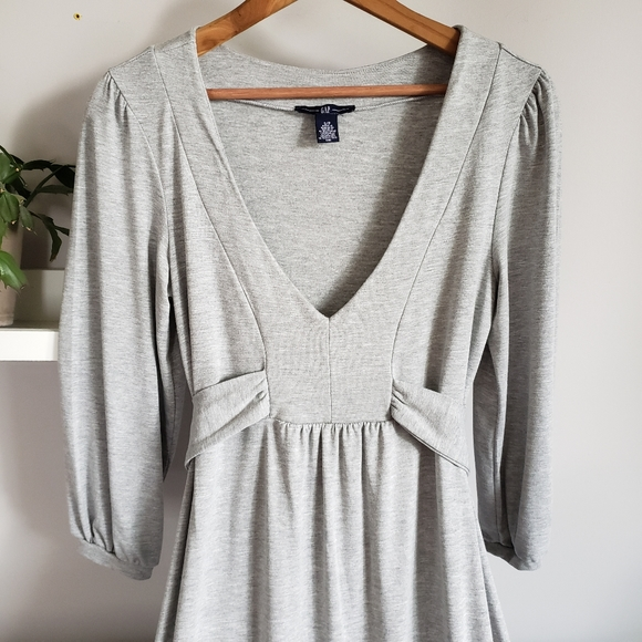 GAP Dresses & Skirts - Gap Grey Tie Waist V-neck 3/4 Sleeve Dress S